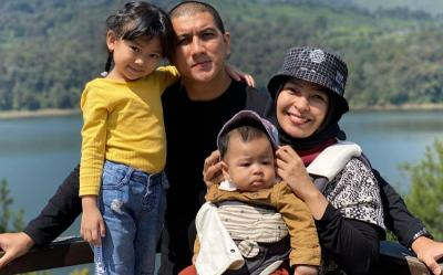 4 Keseruan Piknik Tantri Kotak Ajak Anak Suami ke Bandung