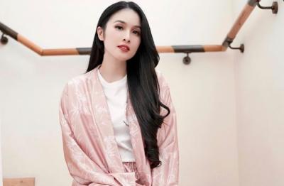Ungkapan Duka Sandra Dewi Ditinggal Pergi Sang Kakek