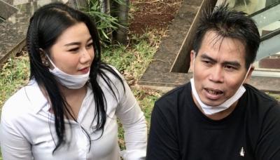 Nikahi Wanita 26 Tahun Lebih Muda, Bopak Castello: Sudah Takdirnya
