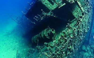 Eksotisme Museum Bawah Laut, Menikmati Panorama Kapal Karam