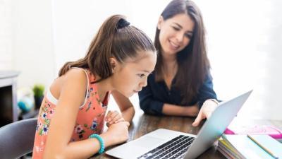 Teknologi Kendala Orangtua Bimbing Anak Belajar Online, Begini Solusinya!