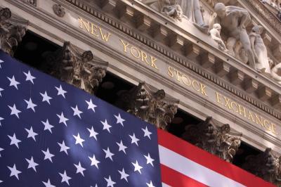 Wall Street Menguat Terdorong Laporan Keuangan Emiten