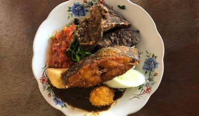 Sego Tempong Banyuwangi Mbok Wah, Sambalnya Pedas Mampus!