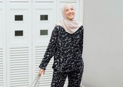 Deretan Homie Set Nyaman ala Hijaber Natasha Rizky