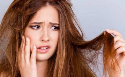 5 Cara Merawat Rambut Kering, Apa Saja?