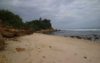 3 Pantai Perawan di Pelosok Tulungagung yang Pantas Kamu Sambangi