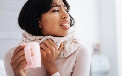 5 Cara Meredakan Sakit Tenggorokan, Apa Saja?