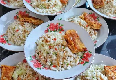 Resep Membuat Nasi Goreng Kampung Ikan Teri, Sedap!