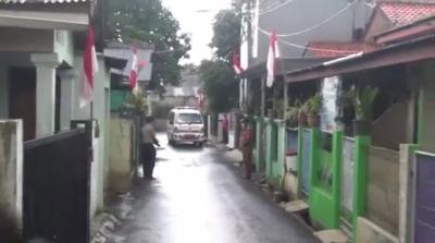 Evakuasi Pasien Positif Covid-19 di Cipayung Ditolak Keluarga