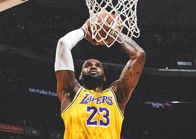 NBA 2019-2020 Comeback, LeBron James Rindu Main di Depan Fans
