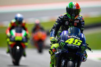 Yamaha Ternyata Senang dengan Persaingan Rossi vs Lorenzo