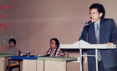 Throwback 22 Tahun Lalu, Cerita Sri Mulyani Bertemu Jokowi saat Krisis Ekonomi 1998