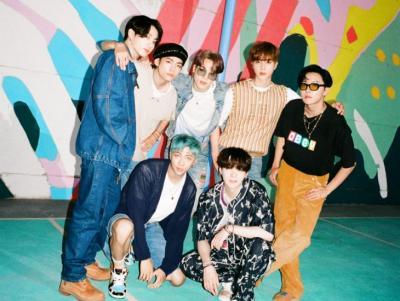 BTS Luncurkan Teaser Foto Grup Terbaru untuk Single Dynamite