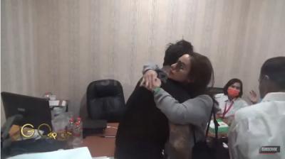 Jerinx Ditahan, Tangis Nora Alexandra Pecah saat Berada di Rumah