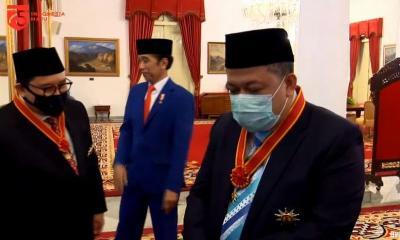 Jokowi Sematkan Bintang Tanda Jasa Kepada 53 Tokoh, dari Megawati hingga Fahri Hamzah