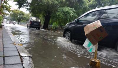 Diguyur Hujan Deras, Sejumlah Jalan di Bekasi Banjir