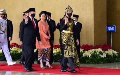 Sidang Rapat MPR DPR 2020, Nih yang Buat Presiden Jokowi Kepincut Baju Adat Sabu NTT