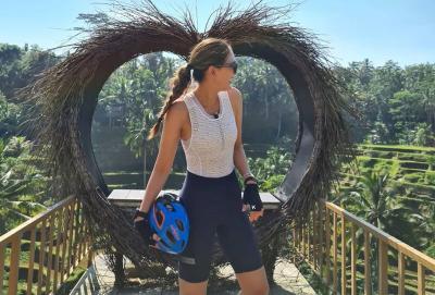 Rayakan Ulang Tahun Ibunda, Luna Maya Liburan ke Bali