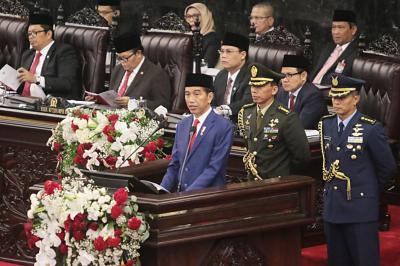 Rakyat Menanti Pidato Jokowi Selamatkan Ekonomi dari Resesi