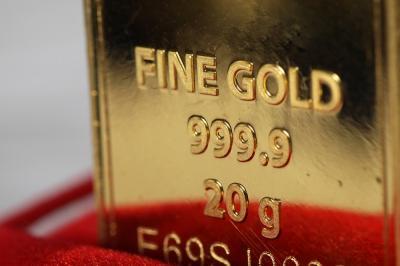 Terus Naik, Harga Emas Antam Hari Ini Dibanderol Rp1.040.000 Gram