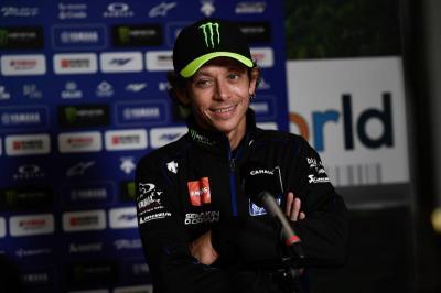 MotoGP Austria 2020 Diguyur Hujan, Rossi Khawatirkan Keselamatan Pembalap