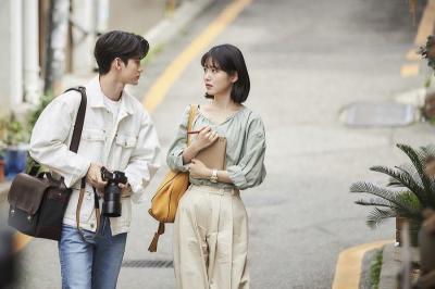 Produser Puji Akting Ong Seong Wu & Shin Ye Eun di More Than Friends