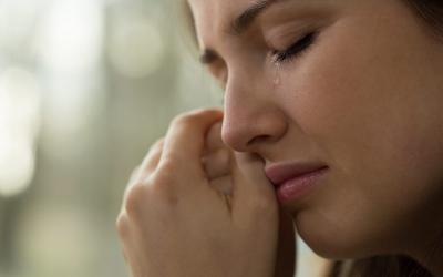 4 Cara Mengatasi Kesedihan Hati Sesuai Tuntunan Islam