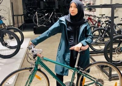 4 Outfit Gowes Buat Hijabers, Kece Badai