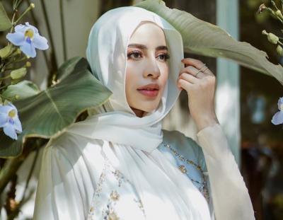 5 Hijabers dengan Style Jilbab Bergo Super Santai