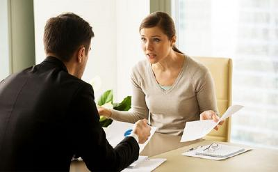 Punya Rekan Kerja yang Hobi Ngeluh, Begini 5 Cara Menghadapinya