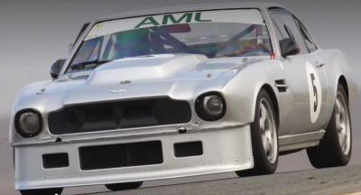 Mobil Balap Antik Aston Martin V8 1973 Dicuri di Dalam Trailer