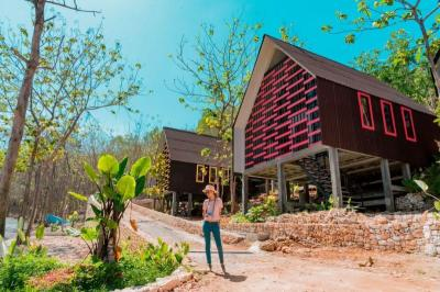 Asyiknya Menginap di Villa Tengah Hutan Gunungkidul, Pemandangannya Menakjubkan