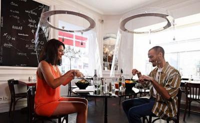 3 Tips Cegah Covid-19 di Tempat Makan