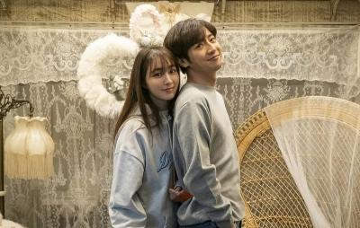 Lee Min Jung Akui Sang Putra Khawatir soal Adegan Ciumannya di Drama