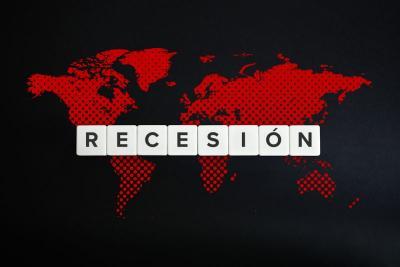 Sisa Waktu Jokowi Selamatkan Ekonomi dari Resesi