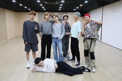 Melesat Jauh, BTS Masih Jadi Raja Gaon Chart