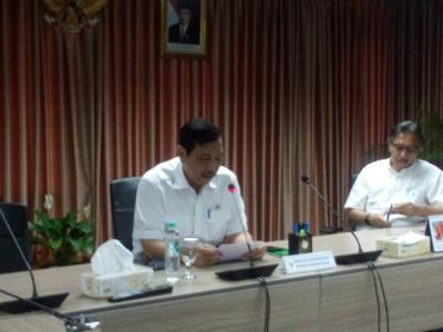 Menko Luhut: Kata Jokowi Tidak Ada Dewan Moneter