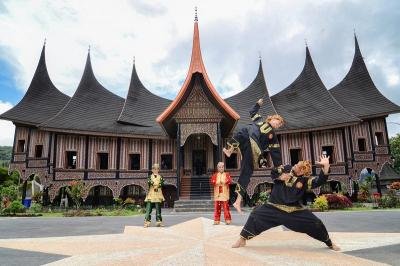 5 Olahraga Tradisional Indonesia, Traveler Berani Coba?