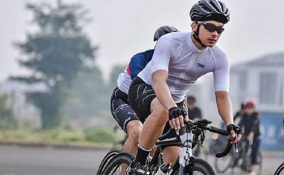 Nicholas Saputra Gowes, Netizen: Aduh Mas Rangga Hobi Barunya Nyepeda Kayak Mbak Cinta