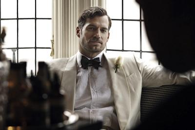 Henry Cavill Teken Kontrak untuk Bintangi 6 Film Superman