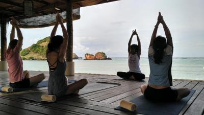 Liburan Sambil Relaksasi, Ini 5 Tempat Wisata Yoga Terbaik di Lombok