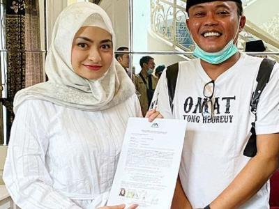 Nathalie Holscher Cantik Berhijab saat Jadi Mualaf Ditemani Sule, Netizen: Semoga Berjodoh