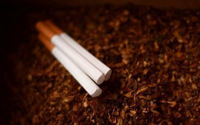 Perokok Aktif Rentan Terkena Covid-19, Bagaimana dengan Perokok Pasif?