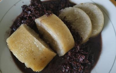 Cicipi 5 Camilan Tradisional Khas Padang, Lamak Bana!