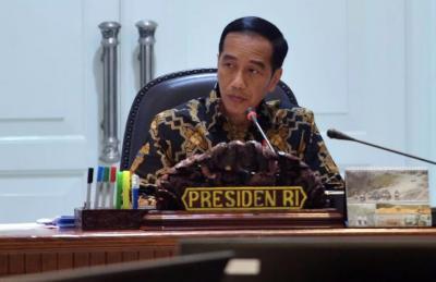 Presiden Jokowi Minta Jajarannya Kawal Beragam Bansos Warga Desa
