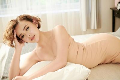 Tampilan Casual ala Amanda Manopo, Cocok untuk WFH