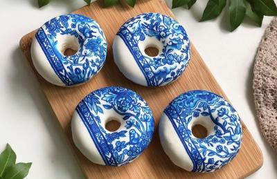 Uniknya Donat Porselen China, Traveler Mau Coba?