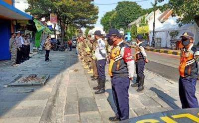 Belasan Warga Terjaring Operasi Yustisi di Taman Sari Jakbar