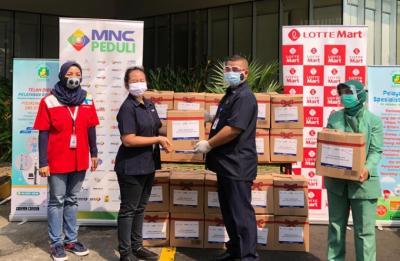 MNC Peduli & Lotte Mart Bagikan Bingkisan untuk Tenaga Medis RS Hermina Kemayoran