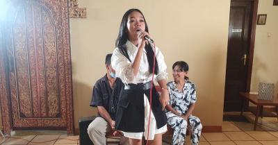 Nissa Risky Viral, Pengamen Gerobak Dorong Nyanyikan Lagu Menyayat Hati